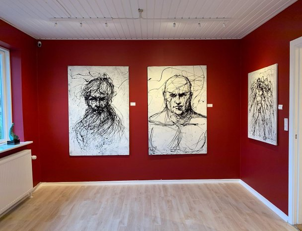 In north jutland in denmark you will find the beautiful gallery Beck, owned by Lars Worm Beck, where I am honored to be able to exhibit my drip paintings
